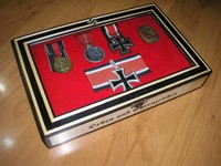Caja expositor medallas II Guerra Mundial - Militaria Wehrmacht Info