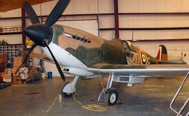 1943 Vickers Supermarine Spitfire IXb